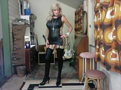 Model - Fiona Ring
