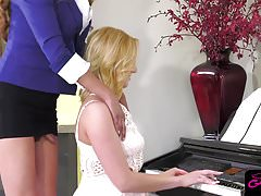 Gorgeous ts piano instructor Jessica Fox fuckin' tight muff