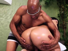Ebony guy fucks shemale