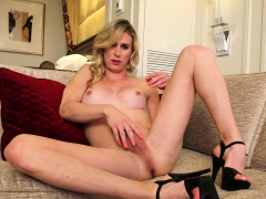 Scorching blonde tranny toying her tight ass