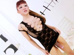 Well hung asian ladyboy