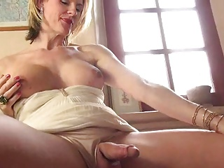 especial. cock sucking college babe in amateur orgy properties turns