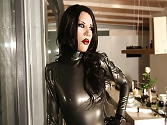 Lovely Latex Woman Mia - The Encounter
