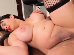 Cocksucking tgirl analized by hefty cock